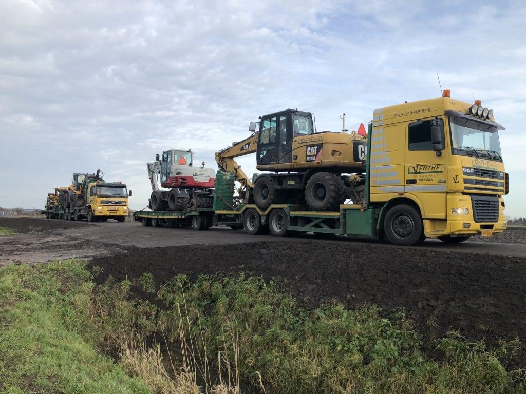 Vrachtauto's machinetransport